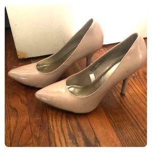 Mossimo nude heels